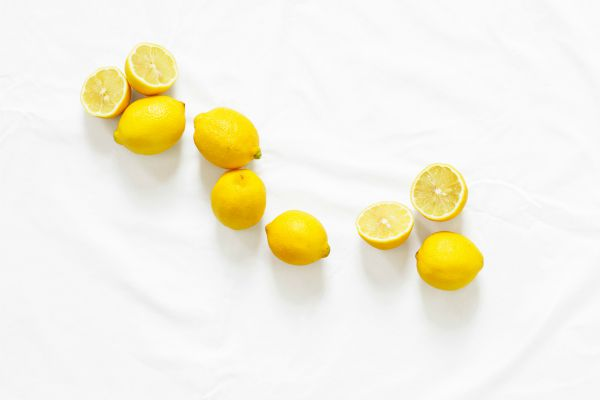 lemons | 7 Easy Ways to Create a Healthy Work Environment https://positiveroutines.com/work-environment-tips/